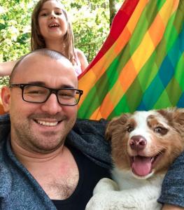 Денис Щепетов, дочка Алиса и собака Блюз